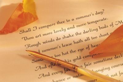 Jadilah Dirimu Sendiri Dengan Puisimu