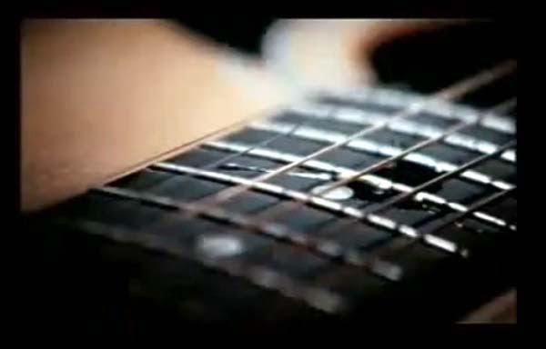 Kutetesi Gitarku Dengan Airmata